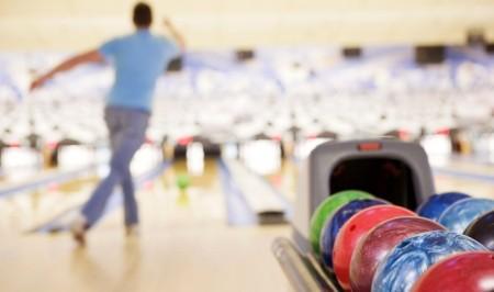 St. James Lanes:Park Bowling